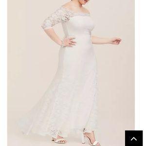 Torrid Size 24 Wedding Gown